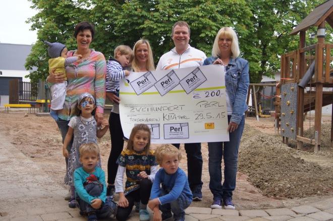 Spendenübergabe an den Förderverein des Kindergartens Perl